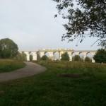 na zdjeciu najdłuższy kamienny most