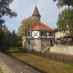 na zdjęciu mury obronne Lwówek Śląski
