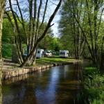 na zdjęciu biwak Sówka nad rzeką Korytnicą
