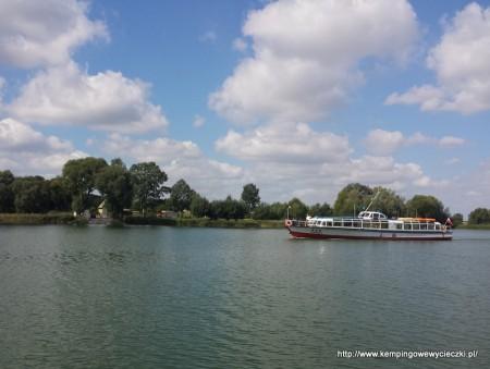 statek na jeziorze Gopło
