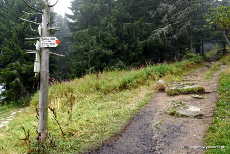 ostatni etap wspinaczki na Turbacz