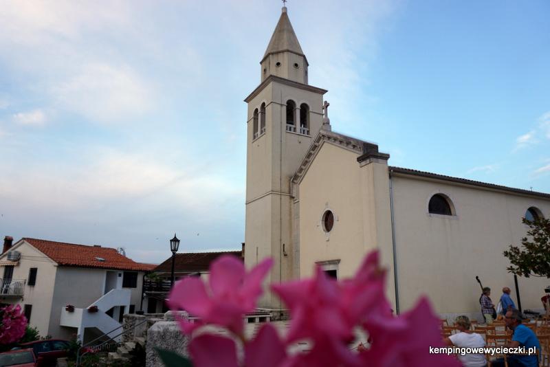Funtana kościół świętego Bernarda, dzwonnica z XVII wieku.