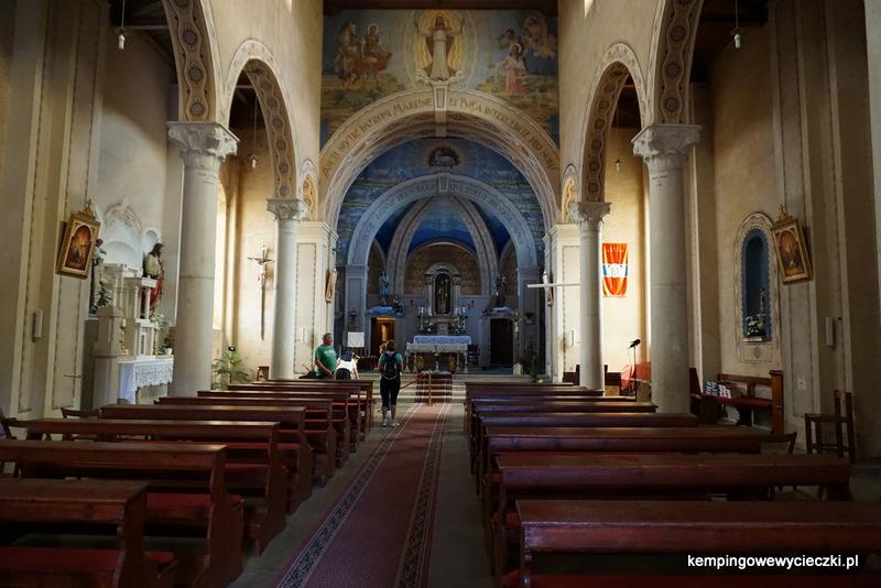 We wnętrzu kościoła św. Marcina w Vrsar