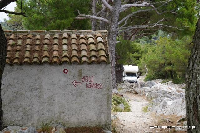 W drodze powrotnej zatrzymaliśmy się przy kapliczce świętego Ivana, do której prowadzi rónież piesza ścieżka z Veli Losinj.