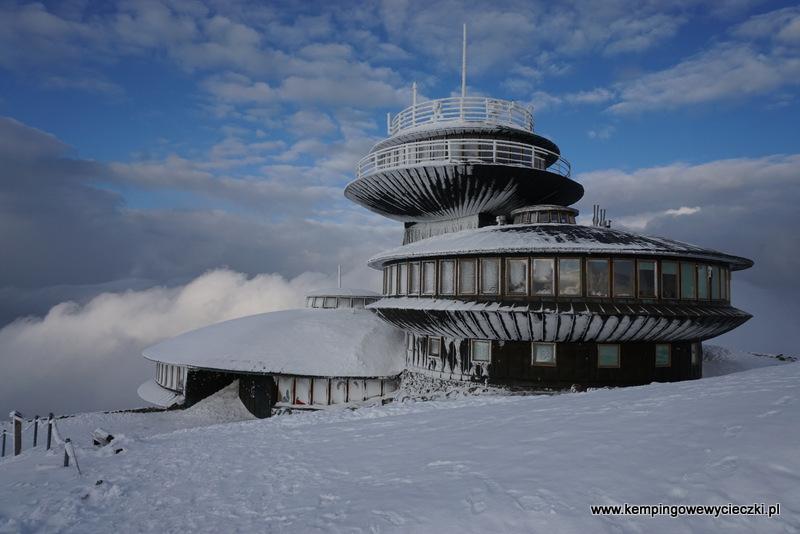 talerze na szczycie Śnieżki