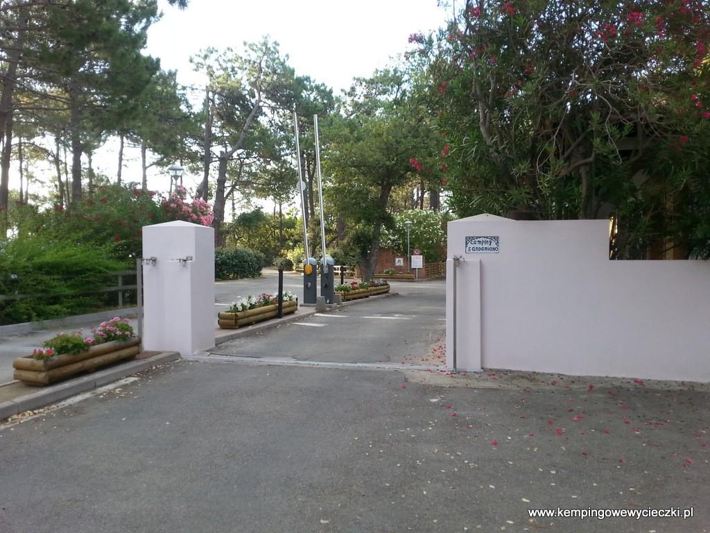 bramka wjazdowa