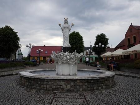 rynek w Lubniewicach