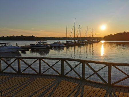pożegnalny zachód słońca w porciku Espo