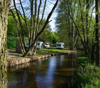 Biwaki nad rzeką Korytnicą
